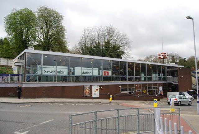 Sevenoaks railway station Network South East